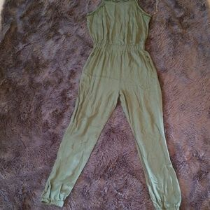 Sleeveless pantsuit, army green